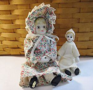 Vtg Porcelain & Cloth Dolls Mother & Baby Muslin & Lace Prairie Clothing w/Box