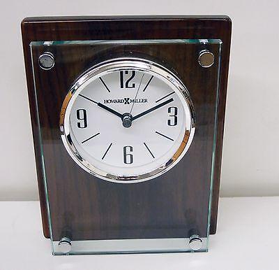 645-776 Amherst- Cristal y Madera Contemporáneo Reloj de Mesa Por Howard Miller