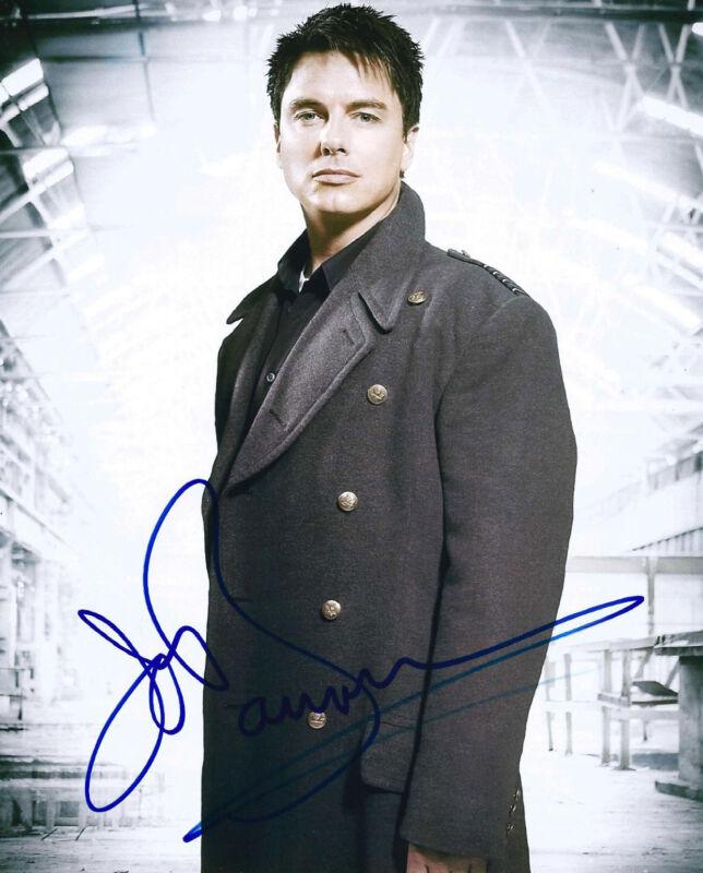ACTOR JOHN BARROWMAN SIGNED ARROW 8X10 PHOTO W/COA TORCHWOOD CAPTAIN HARKNESS