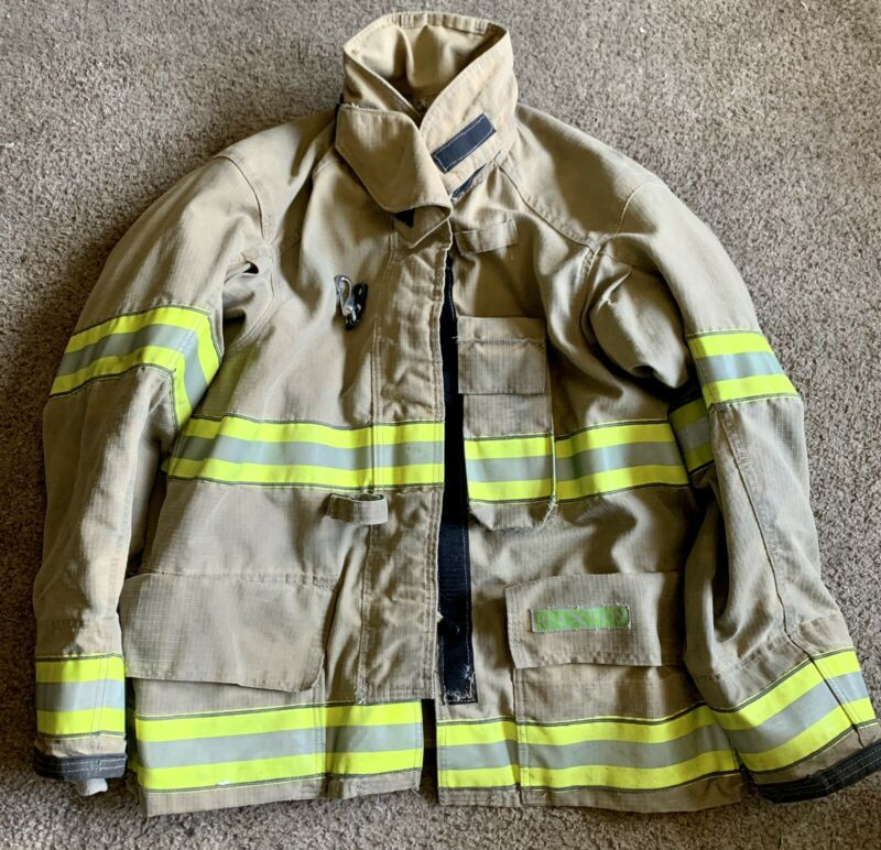 Cairns ReaXtion Turnout Bunker Coat 46 +4 X 32 Used - Good Condition - With DRD.