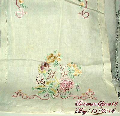 ANTIQUE 1930's VINTAGE FRENCH LINENS HAND EMBROIDERY FLOWERS TABLE RUNNER
