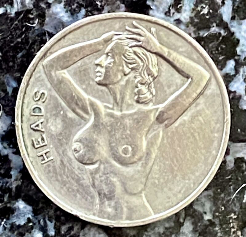 VINTAGE NUDE LADY 'HEADS' OR 'TAILS' FLIP COIN - RISQUÉ NOVELTY TOKEN