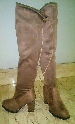 Stivali sopra il ginocchio donna  tutta la moda che vuoi! - shopgogo a713e86fc94