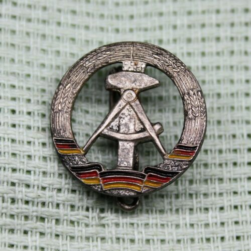 National Emblem of East Germany DDR Coat of Arms Old pin badge vintage
