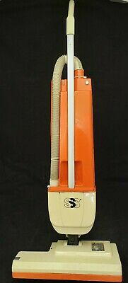 Windsor Sss Versamate Triple S 18 Upright Vacuum - Commercial Dual-motor Vm-18