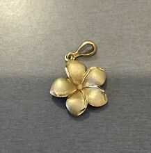 9ct gold frangipani necklace pendant Banksia Grove Wanneroo Area Preview