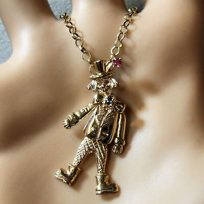 9 ct gold second hand movable clown pendant
