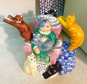Vintage Lotus 1995 grandma cats teapot, crazy about critters