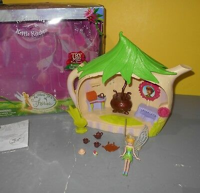 2007 Playmates Disney Fairies Tinkerbell Kettle Kitchen Playset  w/ Accessories - Tinkerbell Accessories