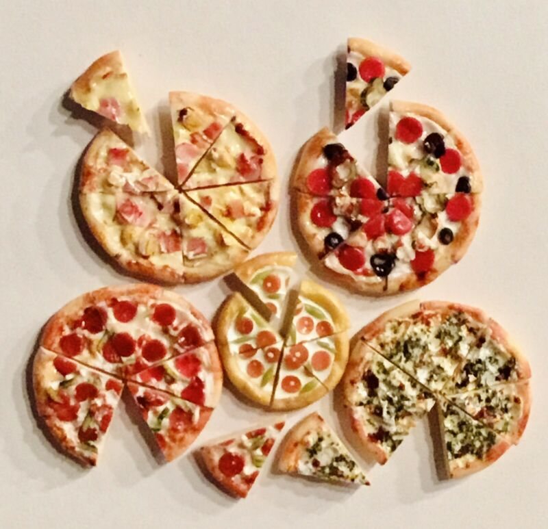 Dollhouse Miniatures Pizza Food Lot (8) Slices