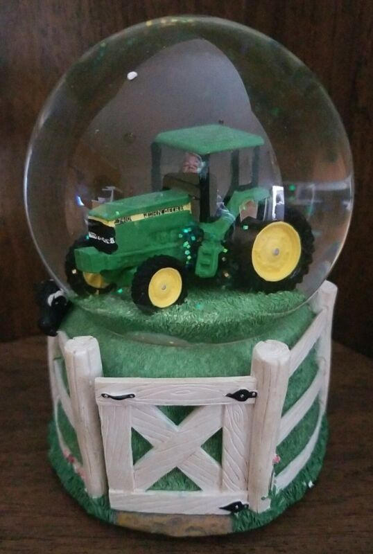 John Deere 2440 Tractor Snow Globe Musical Waterball Down By The Old Mill Stream