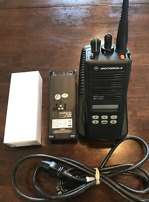 Motorola Mts 2000 Uhf1 403-470 Includes Charger Programming And New Battery