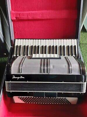 120 bass russian accordion