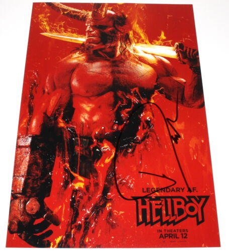 DAVID HARBOUR SIGNED AUTHENTIC 'HELLBOY' 2019 12X18 MOVIE POSTER PHOTO w/COA