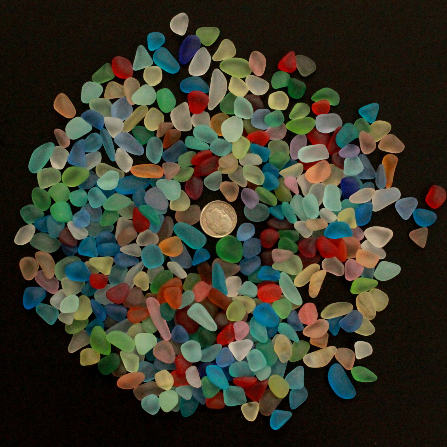 как выглядит Пляжное стекло - природной обработки sea beach glass mixed color lot bulk wholesale blue green red yellow jewelry use фото