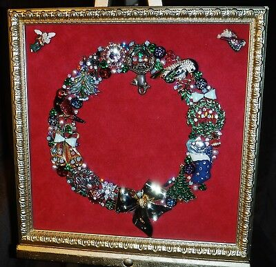Vintage Jewelry Art Christmas Wreath