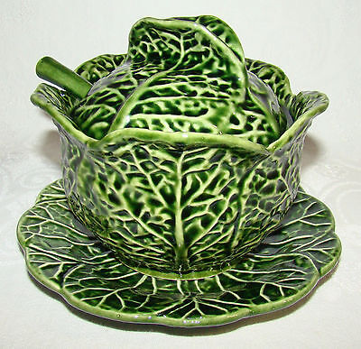 Subtil PORTUGAL Majolica Green Cabbage Covered Serving Bowl with Spoon & Liner