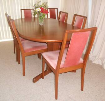 8 DINING ROOM CHAIRS  AND MATCHING EXTENSION TABLE Legana West Tamar Preview