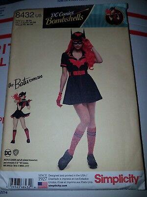 Plus Size Batwoman Costume (Simplicity 8432 U5 DC Comics Bombshells Batwoman Costume Pattern Sizes 16-24)