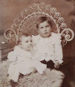 ANTIQUE-1880-039-s-CABINET-PHOTOGRAPH-BUTLER-MISSOURI-LITTLE-BOY-amp-BABY-POSING