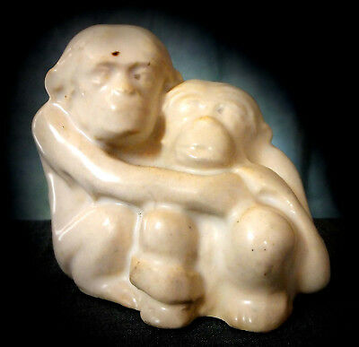 RARE DOULTON MINIATURE FIGURINE of HUGGING MONKEYS by LESLIE HARRADINE