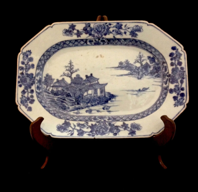 CHINESE BLUE & WHITE PORCELAIN PLATTER WITH BATAVIAN EDGE C. 1770