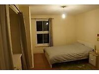 Cozy Room 20 mins to Canary Wharf Just £138pw