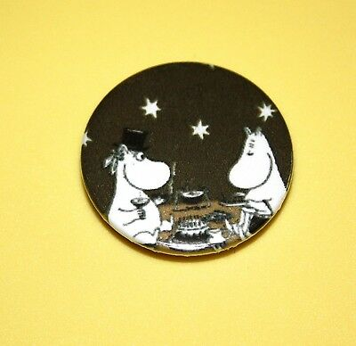 MOOMIN TROLL MAMA & PAPA PICNIC UNDER THE STARS BUTTON PIN BADGES