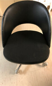 Black Tub / office chair with wheels