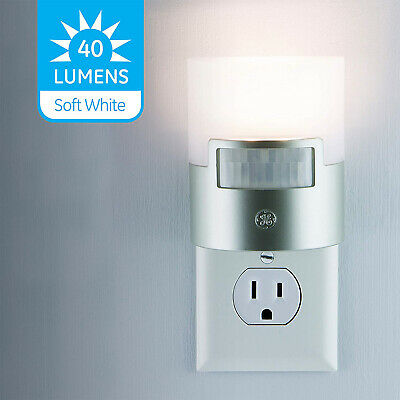 Plug In Motion Activated Detector Sensor LED Indoor Night Light Electrical -
