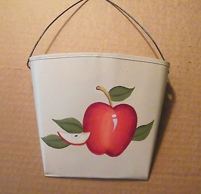country kitchen Metal floral apple wall pocket 7x6.5 in fowers apples decor