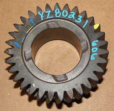 Yz80231 John Deere 4200 4300 4400 Output Shaft 3rd Gear