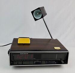 Vintage Worldstar NT-608 Alarm Clock Radio w/ Extending Lamp 2-way light
