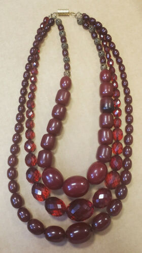 Old CHERRY AMBER BAKELITE 3 STRAND Smooth Facet FATURAN BEADS Necklace 171 Grams