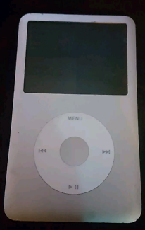 IPOD Classic 7th Gen 128GB top quality + extras