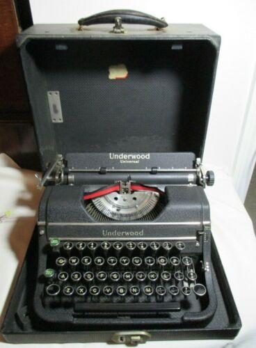 Vintage Underwood Universal Portable Typewriter Black with Case F1199428
