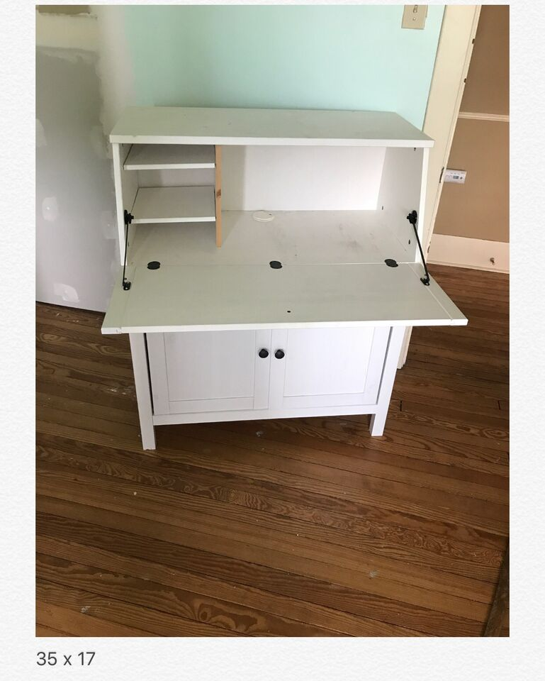 Description Ing A Gently Used Ikea Hemnes Desk