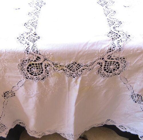 Vintage Bobbin Cluny Lace Oval Tablecloth White Cotton 53 x 116 Oval