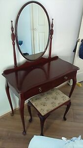 Antique mahogany Edwardian duchess dressing table Upper Mount Gravatt Brisbane South East Preview