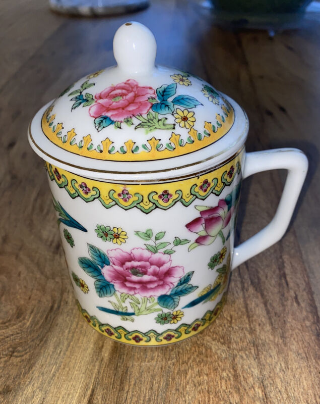 BEAUTIFUL HAND PAINTED PORCELAIN TEA COFFEE MUG WITH LID MADE IN CHINA