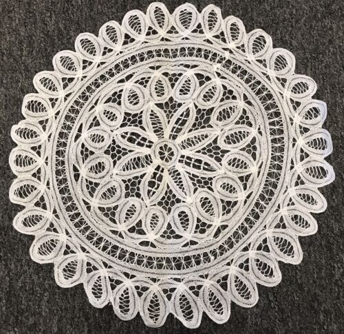Купить 18 White Cotton Handmade Battenburg Lace Crochet Doily Doilies Round Wedding