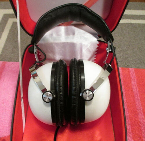 Vintage PIONEER SE-50 Stereo Headphones w/Case