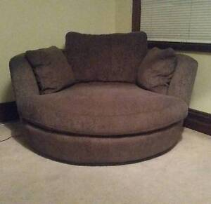 AMAZING Snuggle Chair - fall in love with the popular lovers seat Bondi Eastern Suburbs Preview