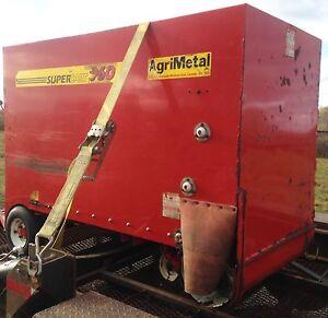Supercart 960 agrimetal Valmetal distributeur RTM ensilage