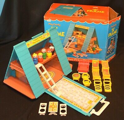 VINTAGE 1970's FISHER PRICE LITTLE PEOPLE #990 A FRAME HOUSE COMPLETE W/BOX