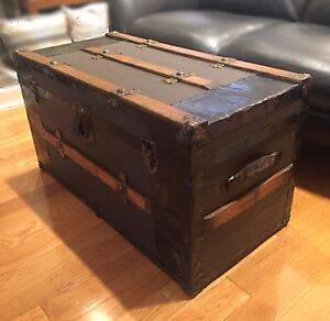 Antique Steamer Trunk - Flat Top - perfect Coffee Table