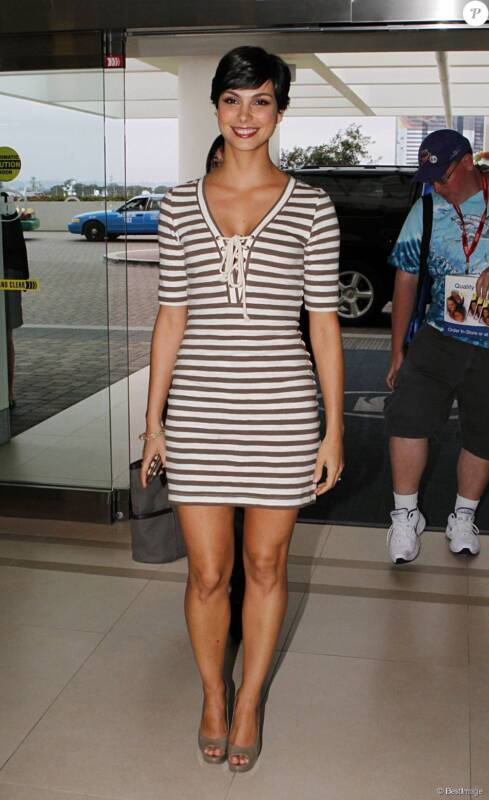 Morena Baccarin Wearing A Striped Suit 8x10 Photo Print