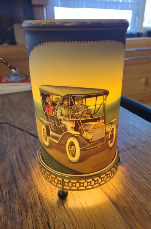 """Vintage 1957 Econolite """"1914 Stuz Bearcats and 1912 Model T Ford"""" Motion Lamp"""