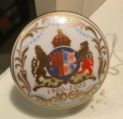 The Royal Collection Mother Round Covered Dish With Box