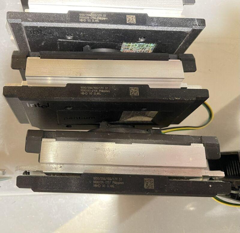 Lot of 3 Pentium iii Slot 1 RARE 1000Mhz CPU SL4KL 1000/256/100/1.7V S1